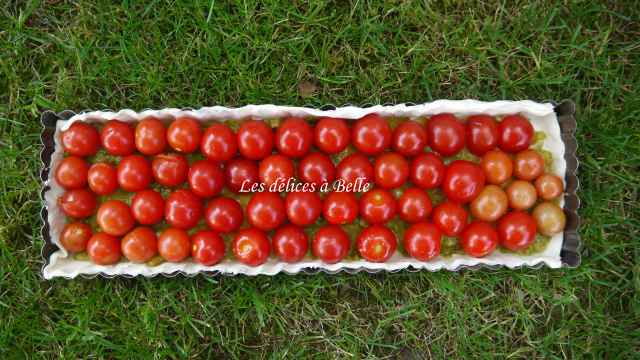 Tarte aux tomates cerises & confit olive yuzu