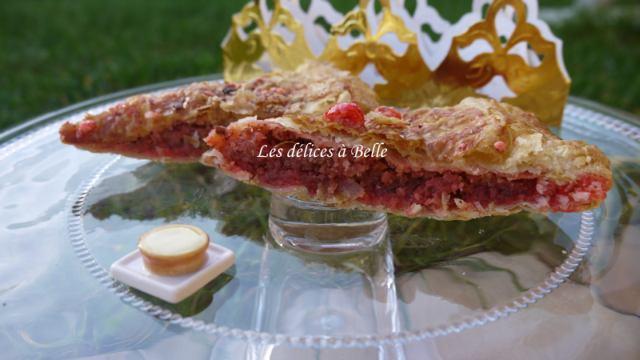 Galette des rois crème d'amandes & pralines roses