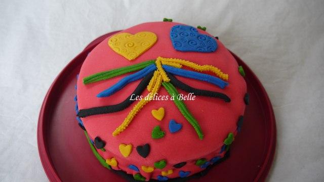 Le gâteau damier rose & jaune en pâte à sucre