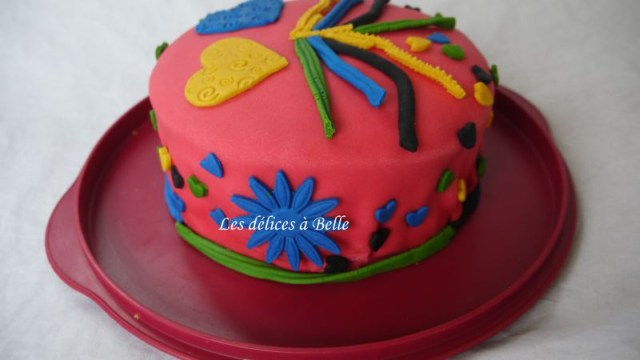Gâteau damier rose & jaune en pâte à sucre