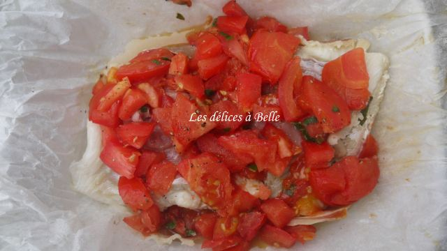 Papillote de cabillaud, jambon d'Auvergne, tomate & basilic