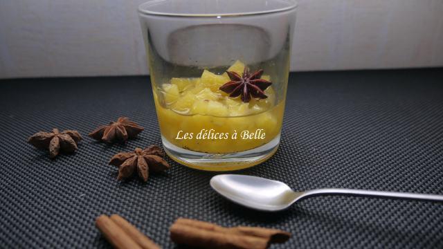 Ananas confit à la vanille & aux épices douces