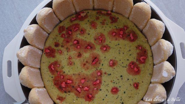 Entremets façon charlotte pistache-fruits rouges