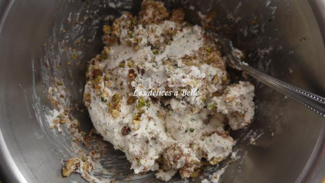 Tourbillons de chèvre & croquant de pistache