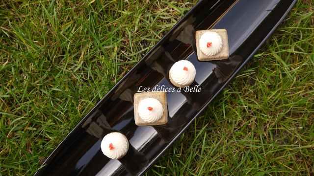 Bouchées de truite fumée & blinis de blé noir